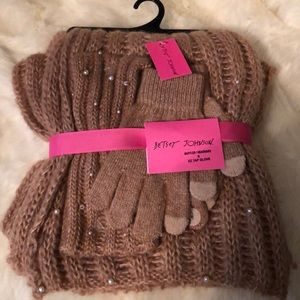 Betsy Johnson Scarf & Glove Set